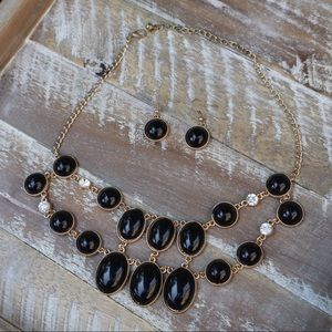 Jewelry - Black & gold bubble bib necklace set with earrings